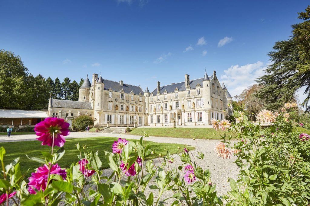 Vue du jardin du Château de terre-Neuve à fontenay le comte