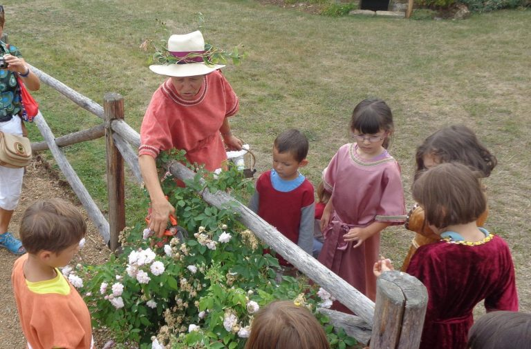 Atelier jardin médiéval©Commune de Bazoges en Pareds